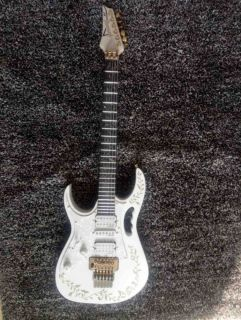 Custom Shop Jem 7v Steve Vai White Floyd Rose Guitar