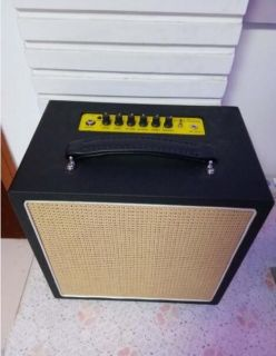 Bass Amplifier with Battery 20W(New)